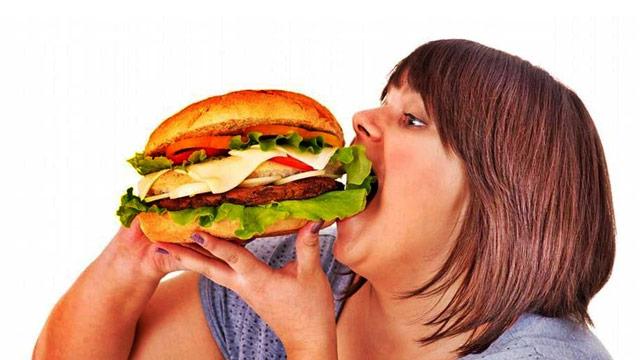 Çocuklukta geçirilen travmalar obez yapıyor