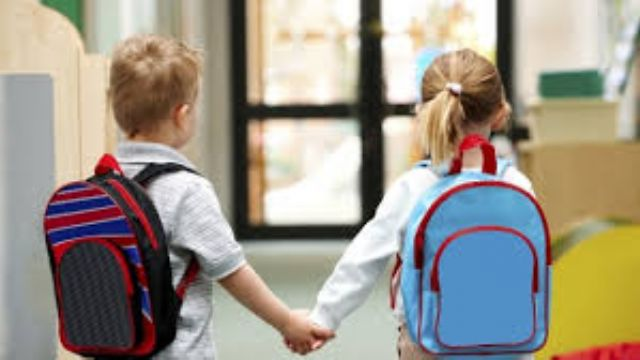 Okula gitmek istemeyen çocuk nasıl ikna edilmeli?