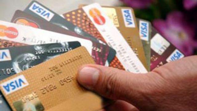 Her cüzdanda ortalama 2 kredi kartı, 4 banka kartı var