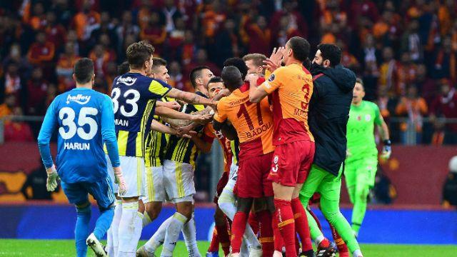 Galatasaray-Fenerbahçe derbisinin faturası bu isimlere kesilecek