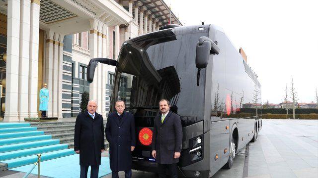 Katar'dan Erdoğan'a yeni otobüs hediyesi