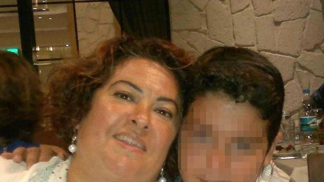 Oğlu annesini beyzbol sopasıyla öldürdü