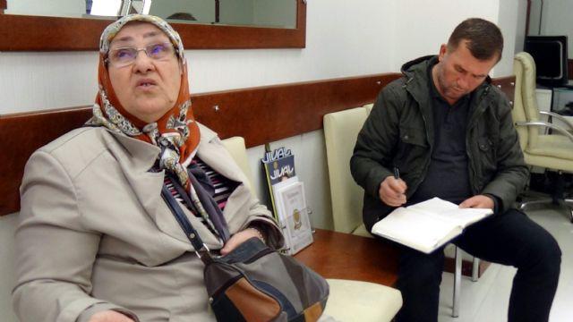 Duyarlı kuyumcu yaşlı kadını dolandırılmaktan kurtardı