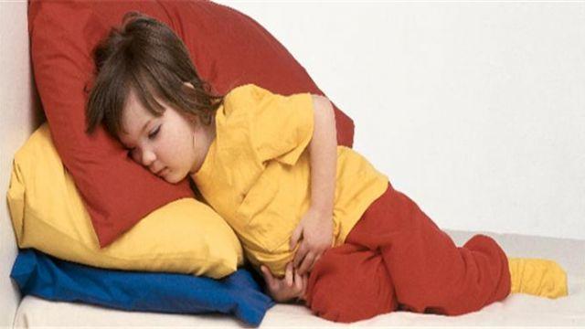 Çocuklarda karın ağrılarını hafife almamak gerekiyor