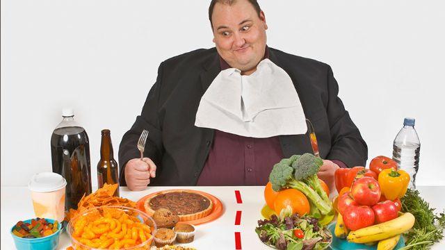 Obezite alkol alınmasa da karaciğeri yağlandırıyor