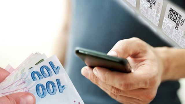 Cep telefonlarındaki vergiler el yakıyor
