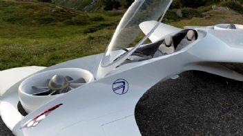 Uçan otomobil piyasaya çıkıyor