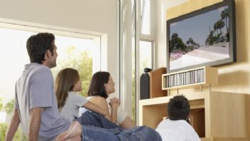 Dizileri hem televizyondan hem internetten tekrar tekrar izliyoruz