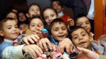 Bayramda çocukları şeker tüketmeye zorlamayın