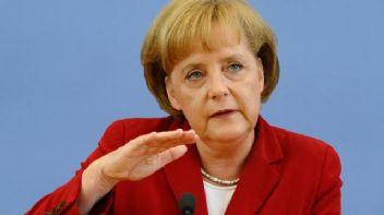 Türkiye'yi tehdit eden Merkel çabuk dönüş yaptı