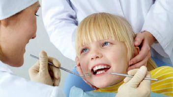 Bebeklerin süt dişleri neden lekelenir?