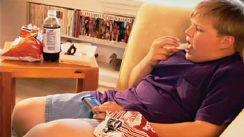 Çocukluktaki obeziteden kurtulmak zor ama imkansız değil!