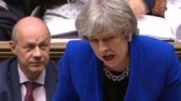 İngiltere Hükümetinde porno iddiası istifa getirdi