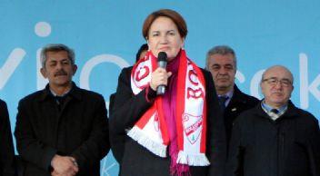 Meral Akşener; Beli çökertilmiş denilen ordu Türkiye'yi kurtarıyor