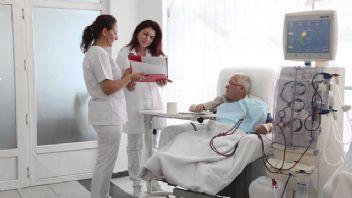Diyalize girmek zorunda kalan böbrek hastalarının hayali nakil