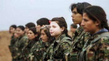 Amerikan Askeleri YPG'li Teröristlerin Yemin Töreninde
