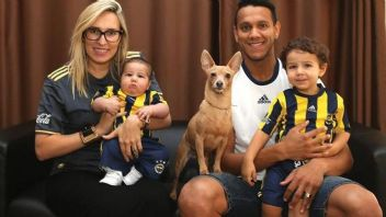 Fenerbahçe'nin yıldız oyuncusu Josef de Souza bebeğini kaybetti