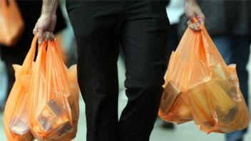 Çılgınca plastik tüketiyoruz; 1 yılda 5 trilyon poşet kullanıldı