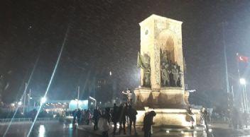 Beklenen kar yağışı İstanbul'da başladı