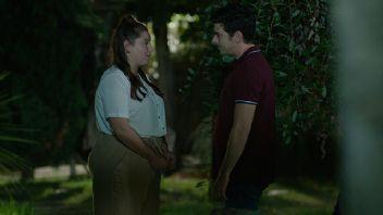 Bir Aile Hikayesi 14.Bölüm Full izle Tek Parça FOX Play 21 Eylül 2019