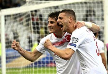 Mehmet Demirkol'dan Merih'e övgü!