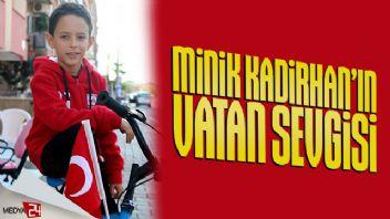 Koca Yürekli Kadirhan'ın bayrak sevgisi