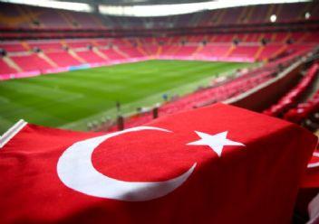 TT Arena kırmızı beyaz