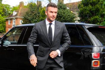 Beckham Falcao'nun peşinde