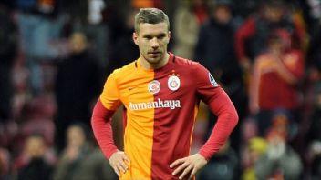 Podolski'nin Türkiye reklamı Almanya'da durduruldu