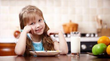 Çocuklar için BLW beslenme yöntemi gelişimi etkiliyor