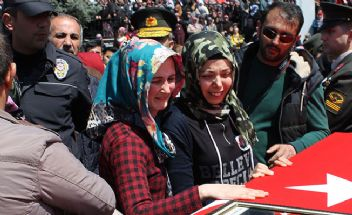Yozgat'taki Şehit Cenazesinde Öfke ve Gözyaşı