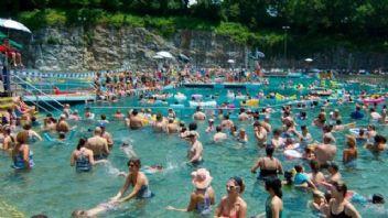 Havuz ve denize girenler idrar yolu enfeksiyonuna dikkat