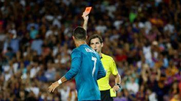 Hakemi iten Portekizli yıldız Cristiano Ronaldo'ya 5 maç ceza